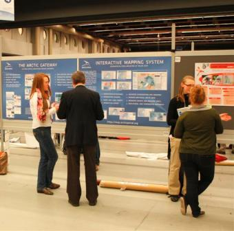 Poster sessions attracted many of the IPY 2012 participants. (Photo: Hjalti Þór - Arctic Portal)