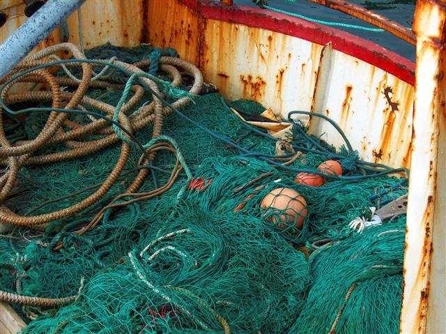 ships fishing gear